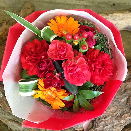 花束,カーネーション,母の日,ラウンドブーケ